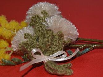 綿毛のコサージュ・ベージュの画像