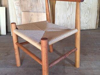 サクラの木の子供椅子の画像