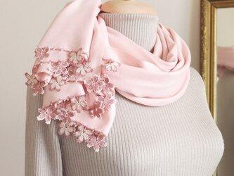 【受注製作】レースの花付き パシュミナストール「桜/2辺」ベビーピンクの画像