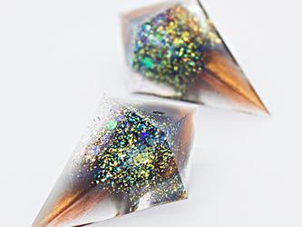 鋭角ピラミッドイヤリング(月光密造の夜)の画像