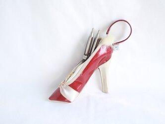 ファーと選べるイニシャル付き ハイヒールポーチ メガネ ペンケース  レッドの画像