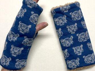 とら虎トラ柄(ブルー)とプードルファーのハンドウォーマー/指なしの画像