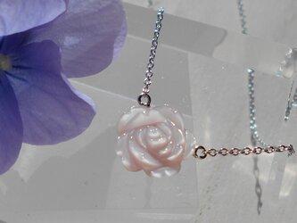 バラのネックレス(ピンク)の画像