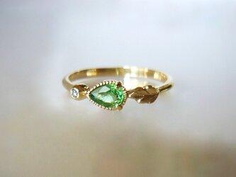 天然ツァボライトガーネットとダイヤのK14の指輪の画像