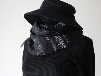 スタイリッシュなモノトーン手織りマフラー ブラック/男性にも/プレゼントの画像