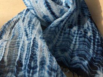 リネン藍染絞りストールの画像