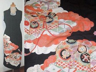 留袖リメイク♪花文箱文が素敵な留袖ハイネックワンピース♪ハンドメイド♪正絹♪フォーマル・パーティー・海外旅行・着物リメイクの画像