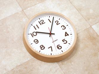 muku round wall clock 10 ナチュラル 電波時計 連続秒針 km-86NRCの画像