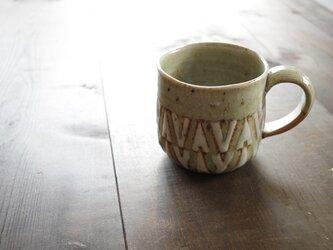 釉彩マグカップ・大(三角模様)の画像