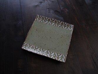 釉彩角皿(三角模様)の画像