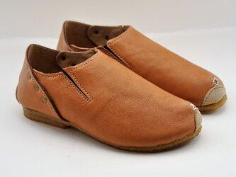『plie slip-on』beige leatherの画像