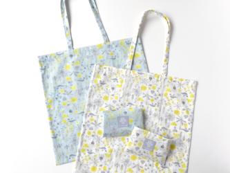 ショッピングバッグ・meadow flowers/白の画像