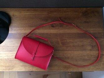 ヌメ革 ショルダーバッグ 赤の画像