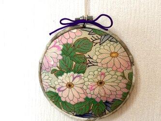 丸い壁飾り–菊の画像