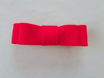 フェルト赤リボンバレッタの画像