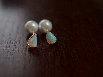 White Opal pierceの画像