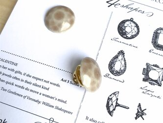 陶器の宝石ピンブローチ 丸/スモーキーピンクの画像
