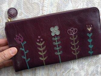 刺繍革財布『LIFE』ボルドー(L字ファスナー型長財布)牛革の画像