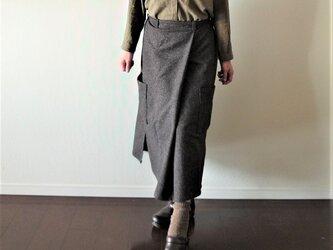 ウールツィードのワークロングスカート 黒ブラウンの画像