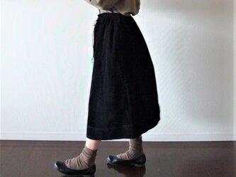 ウール混コーディロイのギャザースカート 黒色の画像