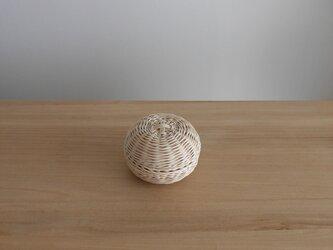 球形の入れ物の画像