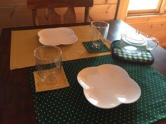 テーブル5点セット ランチョンマット(黄.緑),コースター(黄.緑),鍋敷き鍋つかみ(緑)の画像