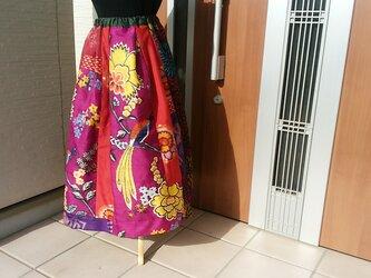 華やかなスカート  再販   の画像