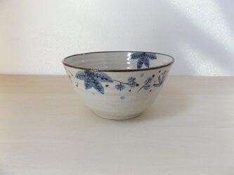 丼 青茶の葉の画像