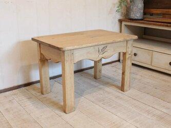 麦穂のカントリーミニテーブルの画像