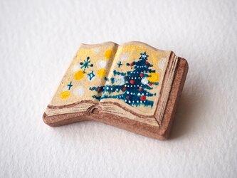 絵本みたいな陶土のブローチ《クリスマスツリー》の画像