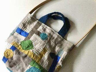 リネンのコラージュと刺し子のバッグの画像