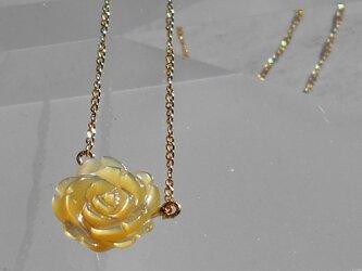 バラのネックレス(黄色)の画像