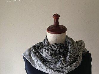 手織りシルクマフラー モノトーンの画像