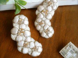 ビジュー×パール×リボンのお花、オートクチュール刺繍のブローチ、ルゥの画像