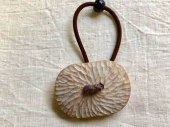 くすの木の白いヘアゴム(8)の画像