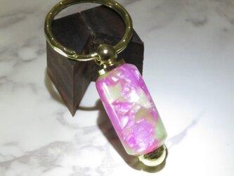 手作りキーホルダー ピンクアクリル ハンドメイド品の画像