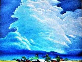 いびつな積乱雲の画像