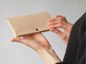 スマート長財布・ナチュラル(本ヌメオイル仕上げ) 自分だけの飴色のエイジングを楽しみたい方に! 牛革 レザー 薄い長財布の画像