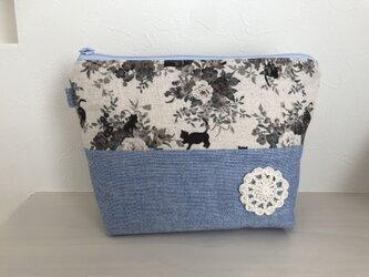 花柄ブーケと猫のポーチ*水色の画像