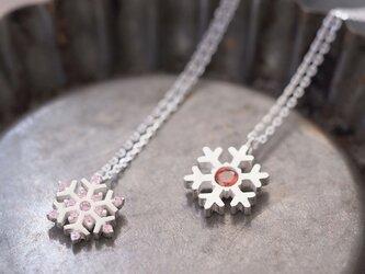 2コset) Garnet 雪の結晶 ペア ネックレス シルバー925の画像