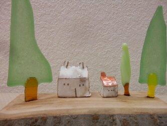 ガラスツリーと陶器ハウス12-08-3の画像