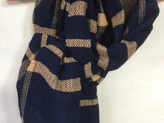 手紡ぎ糸・藍と茶綿のマフラーの画像