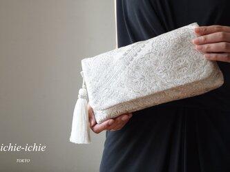 結婚式やパーティー日常使いにも。2way帯クラッチバッグ& ハンドバック 絹帯 リメイク シルバー の画像