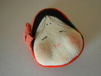 おかめのほっかむりブローチ(ピンク系)の画像