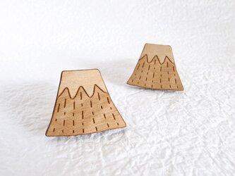 富士山のウッドブローチの画像