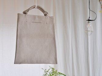 革の台形バッグの画像