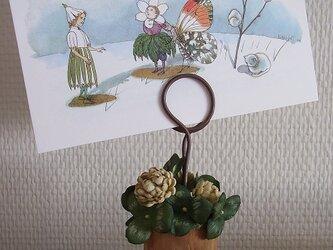 しろつめ草のカードスタンドの画像