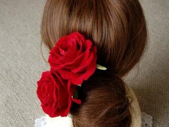 ヘッドドレス 赤バラ2輪 の画像