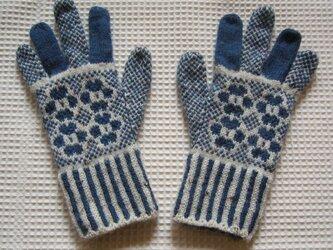 ◆◇お花模様の編み込み手袋◇◆(ジーンズブルー)の画像