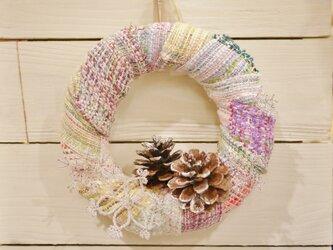 手織り 冬のリースの画像